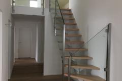 Stahltreppe.mit_.Holzstufen.1