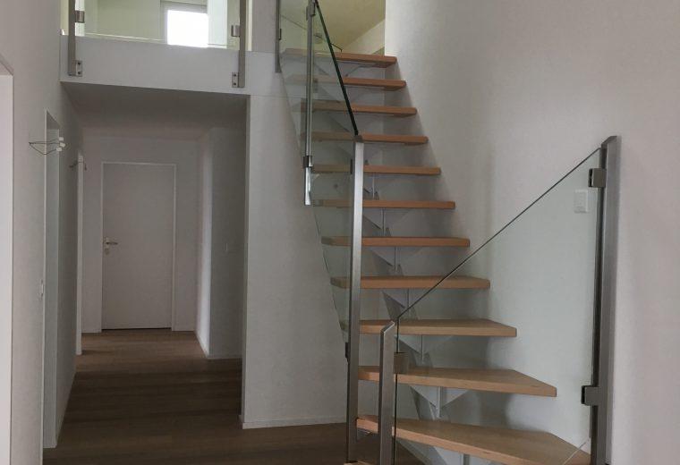 Stahltreppe.mit.Holzstufen.1